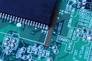 動作や表示を行う電子回路の設計