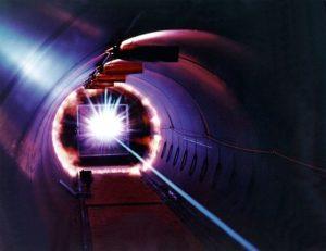レーザとレーザ光の基本を解説