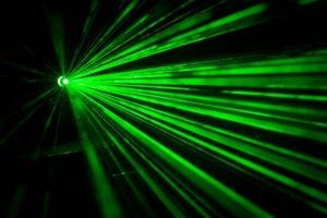 レーザーの発振条件の解説