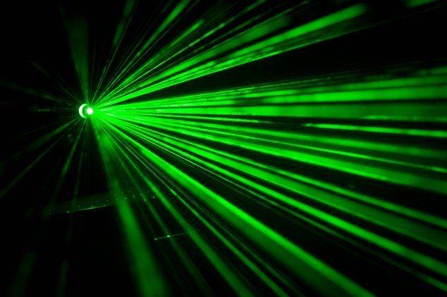 3分でわかる技術の超キホン レーザの発振条件・まとめ解説[反転分布/誘導放出/共振器]