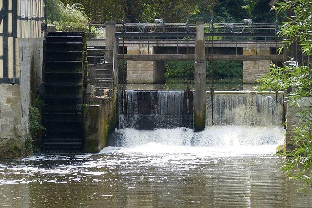 3分でわかる技術の超キホン 水力発電用「水車」の分類・種類と仕組み