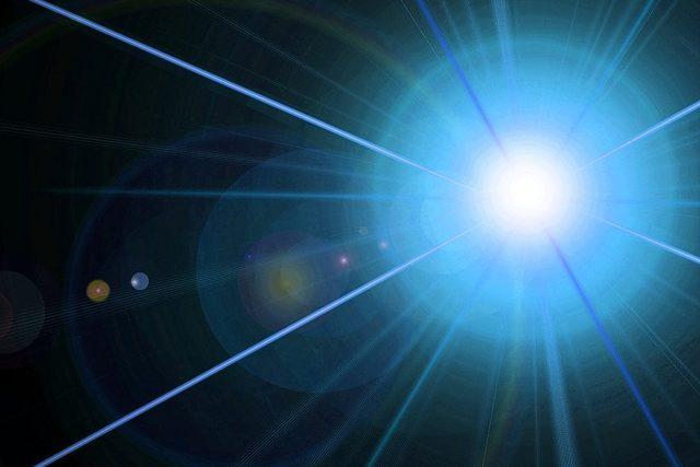 3分でわかる技術の超キホン 半導体レーザ(LD)の構造と発光原理