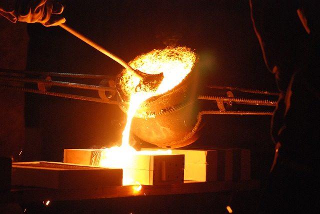 【生産技術のツボ】ダイカストとは?ホットチャンバ/コールドチャンバの加工手順・特徴・設備を解説