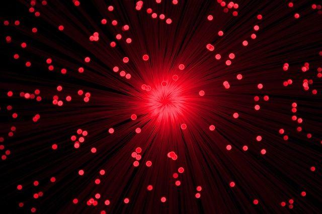 3分でわかる技術の超キホン 光ファイバ通信の受光素子(PD)の条件 [受光感度/暗電流/応答速度/材料] と量子効率