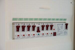 電源回路の基本を解説