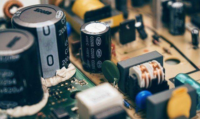 3分でわかる技術の超キホン  電気二重層コンデンサとは?