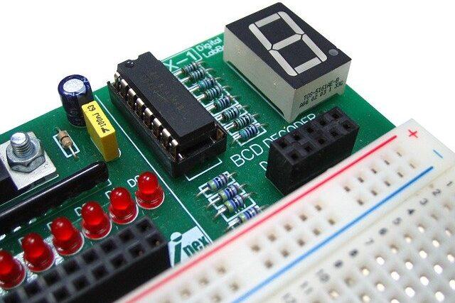 【早わかり電子回路】7セグメント表示器の駆動回路とデコーダ回路
