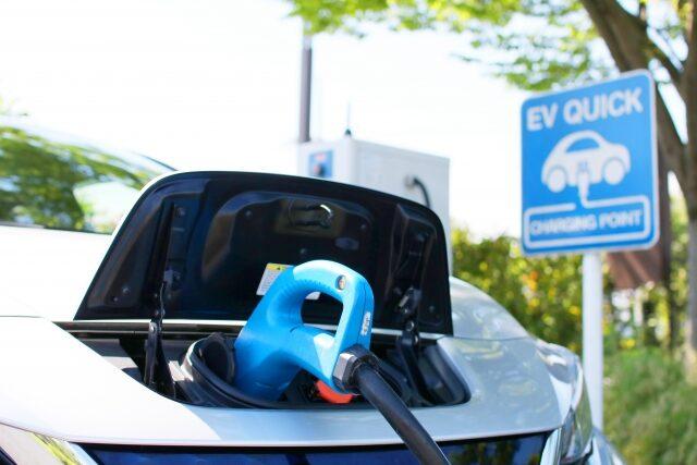 【中国特許分析】電気自動車(EV)に関する特許出願動向をチェック!件数激増はどこまで続く?