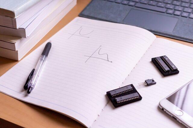 【電気数学をシンプルに】電気回路の解析② 行列の演算方法をチェック《練習問題付》